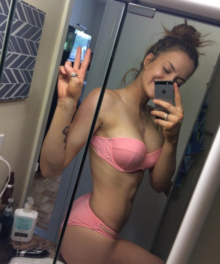 Selfie girl sucking big cock blowjob