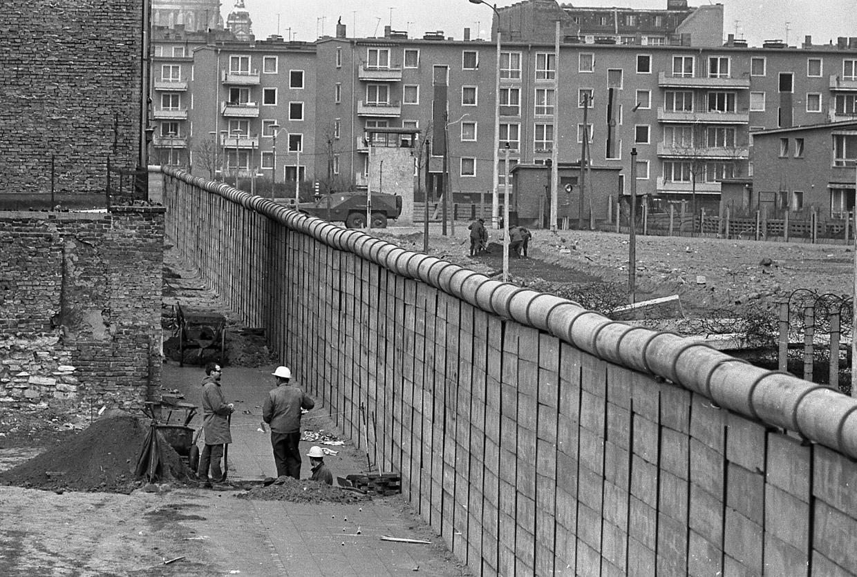 фотостудий берлинская стена фотографии понять