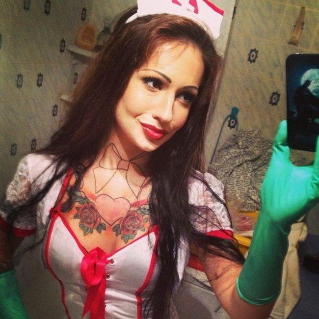 Коллеги невзлюбили самого сексуального врача из Москвы (18 фото)